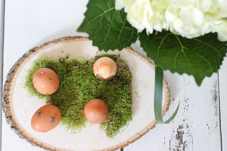 How to naturally dye eggs for Easter l by Our Sweet Somewhere